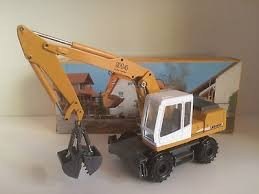 LIEBHERR A912 WHEEL EXCAVATOR WITH CLAM SHELL