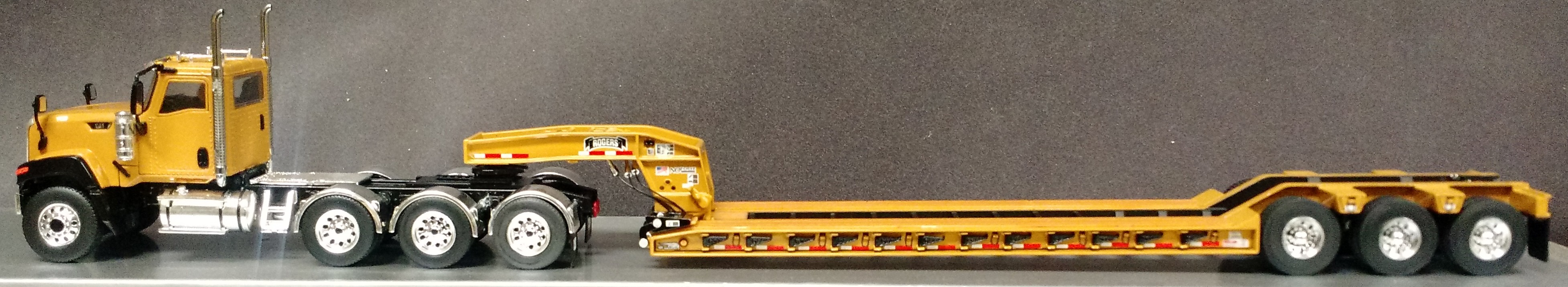 CATERPILLAR CT680 4 AXLE TRACTOR WITH ROGERS 3AXLE LOWBOY-CAT YELLOW