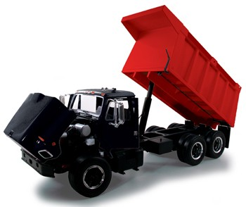 International S-Series dump truck-Black cab/Red box
