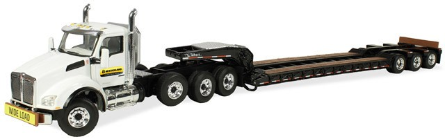 "Kenworth T880 Tractor with 3 axle lowboy ""New Holland Construction"""