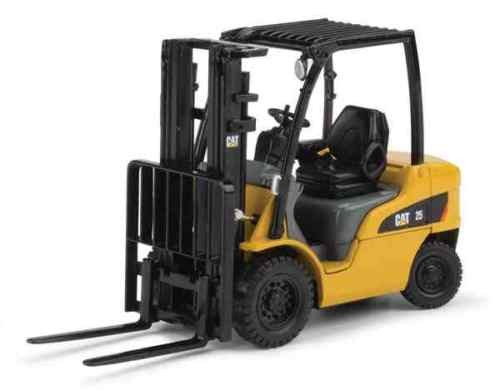 Caterpillar DP25N fork lift