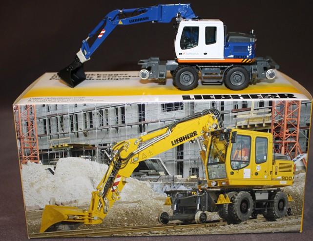 Liebherr A900 C ZW wheel excavator 'VON ROON RAIL.BV.'
