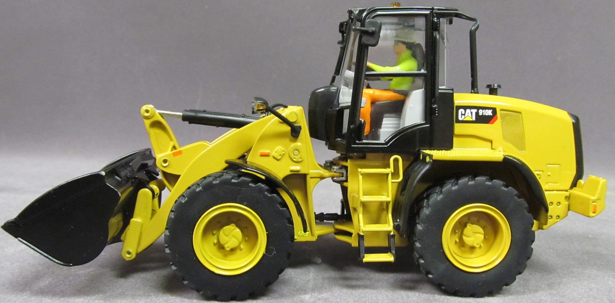 Caterpillar 910K Wheel Loader