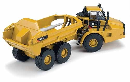 Caterpillar 740B articulated dump with ejctor
