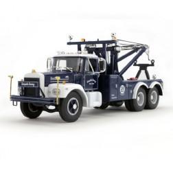 "Brockway Tandem-Axle Wrecker ""TURNPIKE TOWING"""
