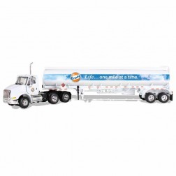 "International 8600 with ""GULF OIL"" fuel tank trailer"