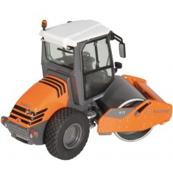 HAMM H7I Compactor with smooth roller drum