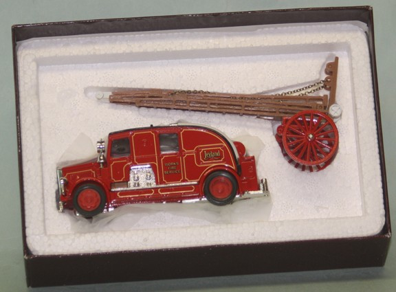 1936 Leyland Cub fire engine Matchbox Model of Yesteryear