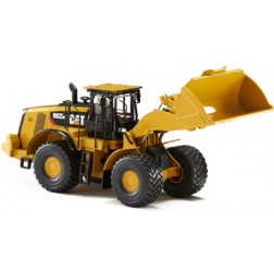Caterpillar 582M wheel loader