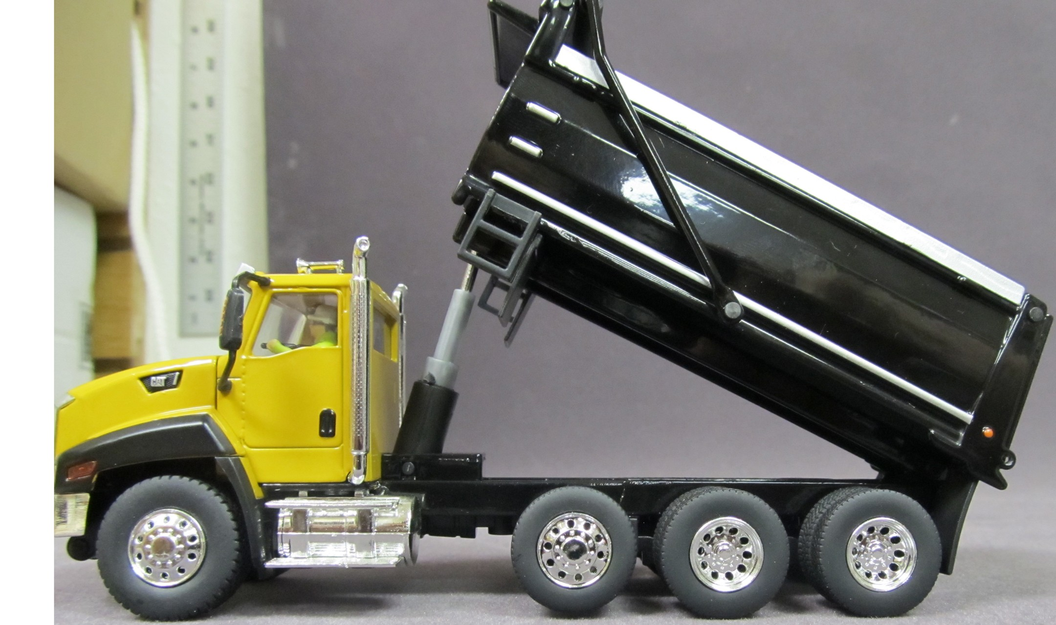 Trailers For Less >> Caterpillar CT660 Yellow Dump Truck - DieCast Masters ...
